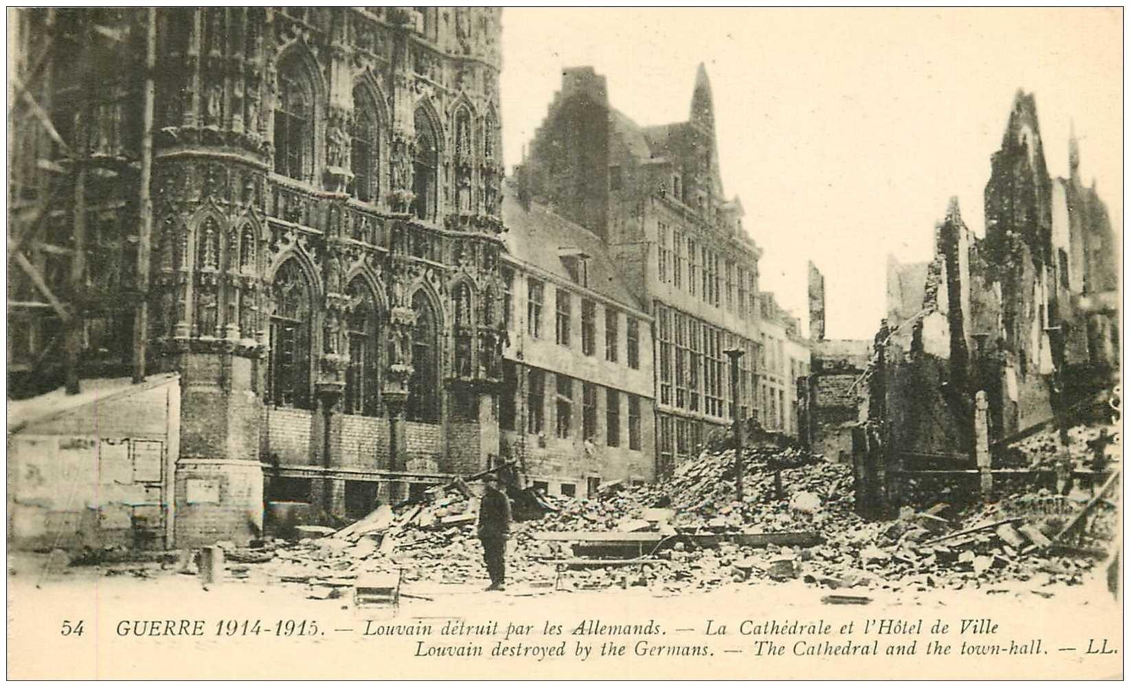 carte postale ancienne LOUVAIN. Cathédrale et Hôtel de Ville détruits