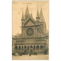 carte postale ancienne TOURNAI. Entrée de la Cathédrale 1906