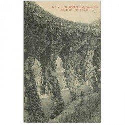 carte postale ancienne BARCELONA. Parque Güell. Pont de Baix 1908