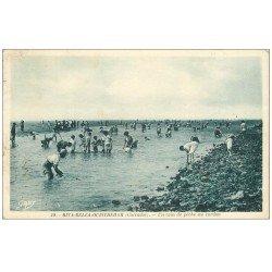 carte postale ancienne 14 RIVA-BELLA-OUISTREHAM. Pêche au Cordon