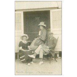 carte postale ancienne 14 SAINT-AUBIN. Famille Janson Cabine de Plage. Carte Photo rare 1910