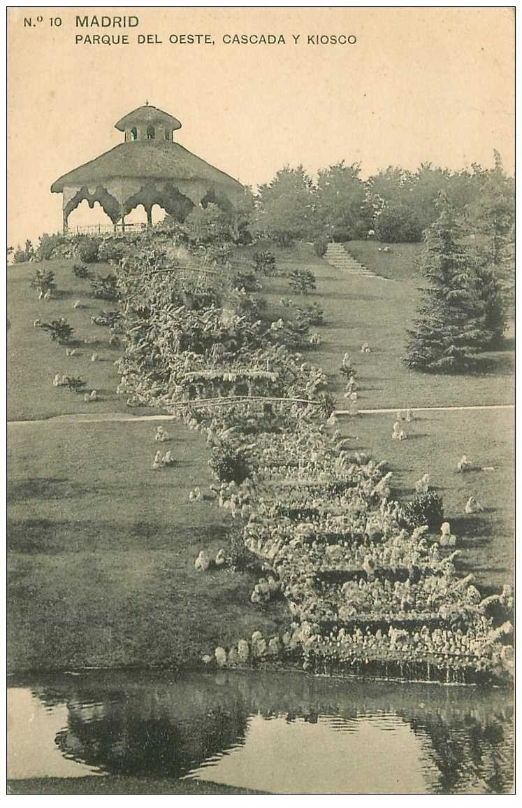 carte postale ancienne MADRID. Parque del Ceste Cascada y kiosco 1918