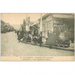 carte postale ancienne GRECE. Salonique Salonica. Avenue du Roi Constantin jeunes cireurs de chaussures 1917