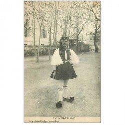 carte postale ancienne GRECE. Saloniques 1916 un Garde en costume traditionnel