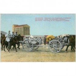 carte postale ancienne GRECE. Saloniques Défilé d'un Régiment d'Artillerie Soldats et Militaires avec attelages pour canons