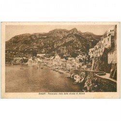 carte postale ancienne Italia. AMALFI. Strada di Atrani 1931. Timbre manquant...