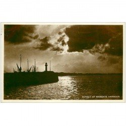 carte postale ancienne ANGLETERRE ENGLAND. Sunset at Margate Harbour 1929