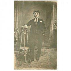 carte postale ancienne ROUMANIE. Carte photo d'un jeune homme 1912