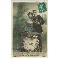 carte postale ancienne COUPLE. Jeunes Amoureux avec Poisson d'Avril 1910