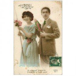 carte postale ancienne COUPLE. Jeunes Amoureux Pêcheurs pour le 1 Avril 1924