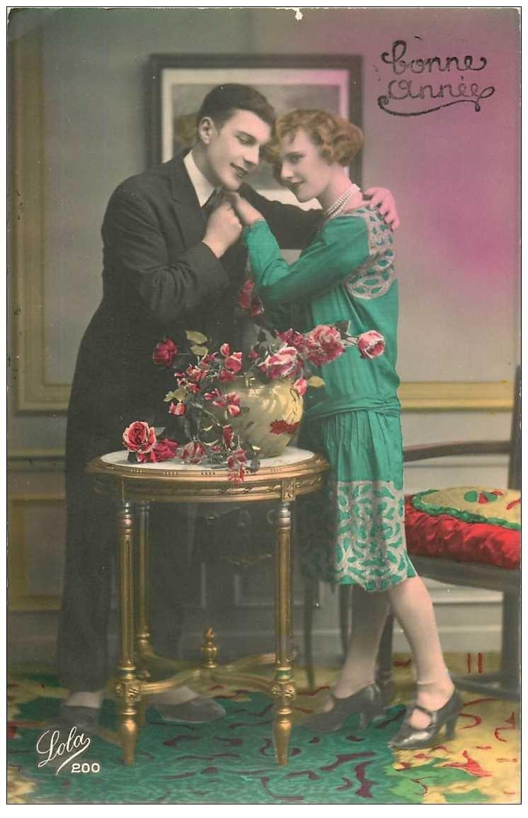 carte postale ancienne Couples d'Amoureux couleurs flashies des années 1931