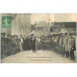 carte postale ancienne FOLKLORE. Campagnes et Provinces. Les Danseurs de Bourrée 1913