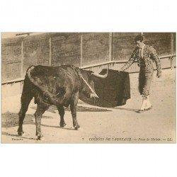 carte postale ancienne CORRIDA. Selecta Courses de Taureaux. Passe de Muleta