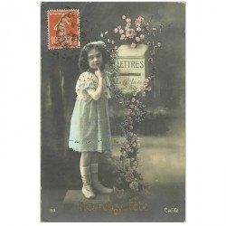 carte postale ancienne ENFANTS. Fillette et boîte aux lettres 1912