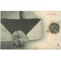 carte postale ancienne ENFANTS. Bébé entrant dans une enveloppe avec au revoir 1906