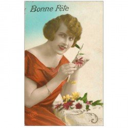 carte postale ancienne FEMMES. Bonne Fête avec Marguerites
