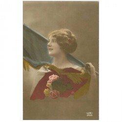 carte postale ancienne FEMMES. Drapeau tricolore 1915