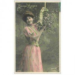 carte postale ancienne SUPERBE FEMME. Bonne Année avec une belle chevelure et du gui 1907