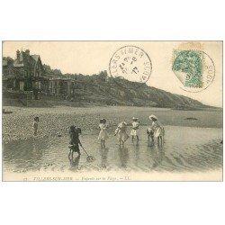 carte postale ancienne 14 VILLERS-SUR-MER. Recherche aux Crustacés 1907