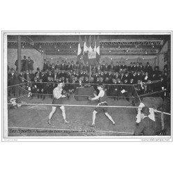 carte postale ancienne LES SPORTS. La Boxe. Assaut de Boxe anglaise en Salle