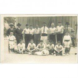 carte postale ancienne SPORTS. Groupe de Sportifs Lutteurs ou Pelote Basque ou autre... Photo carte postale