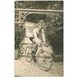 carte postale ancienne CYCLISME. 41 Ay en Champagne. Dauge Champion de vélo. Photo carte postale Sportif