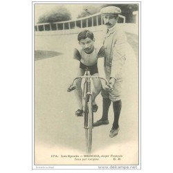 carte postale ancienne Sports Cyclisme et vélo. BROCCO. Stayer Français tenu par Lorgeou