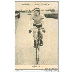 carte postale ancienne Sports Cyclisme et vélo. EMILE FRIOL. Les Champions du Pneu Hutchinson 1914