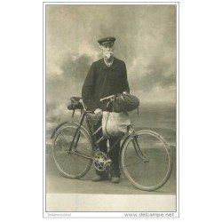 carte postale ancienne SPORTS. Cyclisme. De Villiers à Brest Boyau en vélo