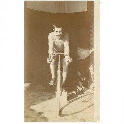 carte postale ancienne SPORTS. Cycliste professionnel. Photo carte postale à identifier... Vélo et Sportif