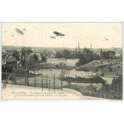carte postale ancienne AVIATION. Angers 49. Passage Aéroplanes sur Jardins des Plantes. Avions et Pilotes