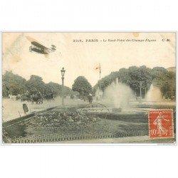 carte postale ancienne AVIATION. Paris Avion sur Rond-Point des Champs-Elysées 1912. Aéroplane et Pilote
