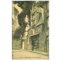 carte postale ancienne 14 VIRE. Commerce Bruno et Vieille Maison