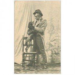 carte postale ancienne METIERS. Le Comique Dresseur de Caniche vers 1900