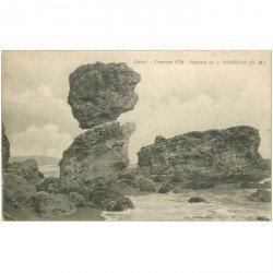 carte postale ancienne DOLMENS ET MENHIRS. 06 Estérel Corniche d'Or Rochers de la Napoule