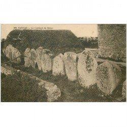carte postale ancienne Dolmens et Menhirs. CARNAC. Le Cromleck du Ménec. Déchirure vers coin gauche...