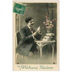 carte postale ancienne Affectueux Souvenirs. Homme et lettres