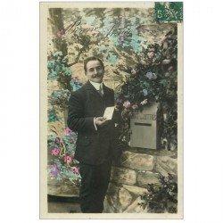 carte postale ancienne BONNE ANNEE. Homme et boîte à lettres 1906