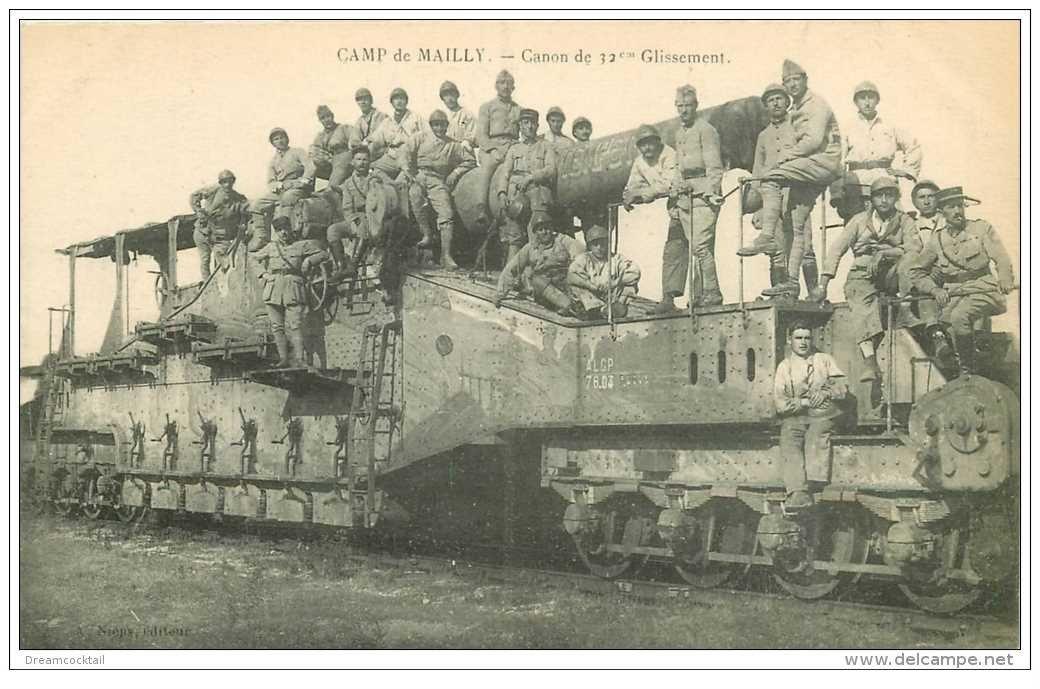 carte postale ancienne CANON SUR RAIL. Camp de Mailly. Canon de 32° Glissement 1922