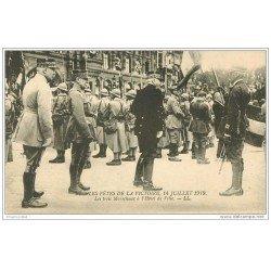 carte postale ancienne FETES VICTOIRE 1919. Les Trois Maréchaux à Hôtel de Ville. Armée et Militaires