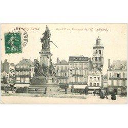 carte postale ancienne 02 SAINT-QUENTIN. Grand Place, Monument et Beffroi 1907. Café du Midi et Papeterie