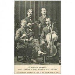 carte postale ancienne MUSIQUE ET MUSICIENS. Le Quatuor Carembat. Violonistes et Contrebassiste.