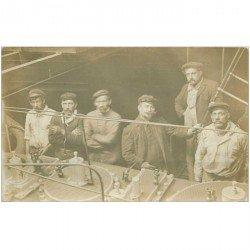 carte postale ancienne TRANSPORTS. Les Mécaniciens du Steamer Arvor 1910. Photo carte postale de Martell