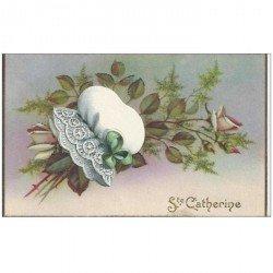 carte postale ancienne SAINTE CATHERINE. Carte à système avec petit bonnet en ajoutis amovible et Roses pailletées 1952