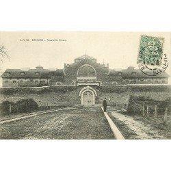 35 RENNES. La Nouvelle Prison 1907 avec Gardien