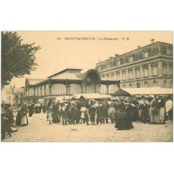 carte postale ancienne 02 SAINT-QUENTIN. Le Marché. Carte vierge impeccable