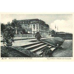 carte postale ancienne 14 DEAUVILLE. Royal Hôtel et Boulevard Cornuché