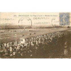 carte postale ancienne 14 DEAUVILLE. Hippodrome. Pendant la Course 1930