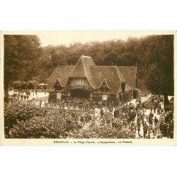 carte postale ancienne 14 DEAUVILLE. Hippodrome. Les Courses et le Padock 1936. Chevaux et Jockeys.