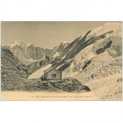 Suisse. Cabane de Mutthorn et la Jungfrau